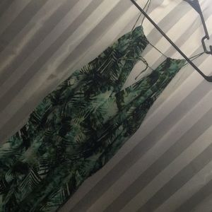 Gorgeous dress!! Multi green colors!